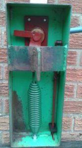 Swivel Hook & Bolt Clay Trap Spring fitted to a Clay Sport Royal lever trap.