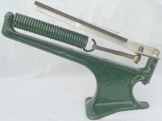 Medium Double Hook Spring, 90° offset hooks fitted to a Bowman Markham